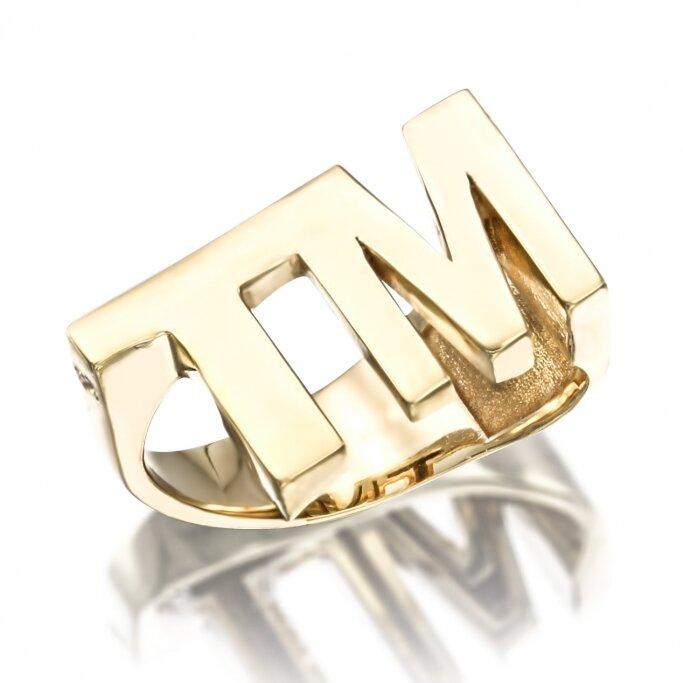 טבעת אותיות TM