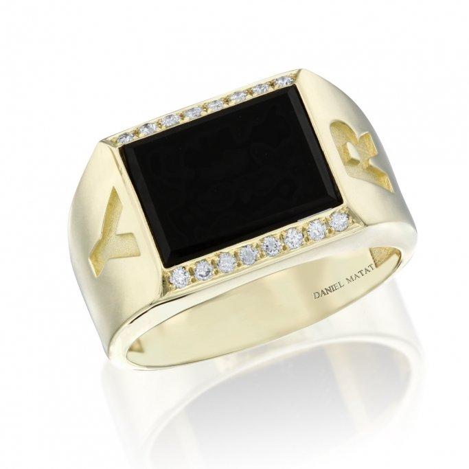 טבעת לגבר אוניקס עם שתי אותיות
