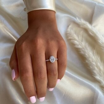 טבעת אירוסין אובל