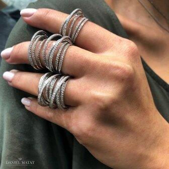טבעת יהלומים מעוצבת טרסיגונה