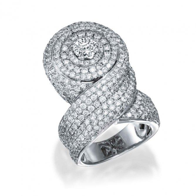 טבעת יוקרה יהלומים